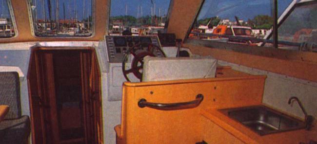 motorni brod Adria 1002