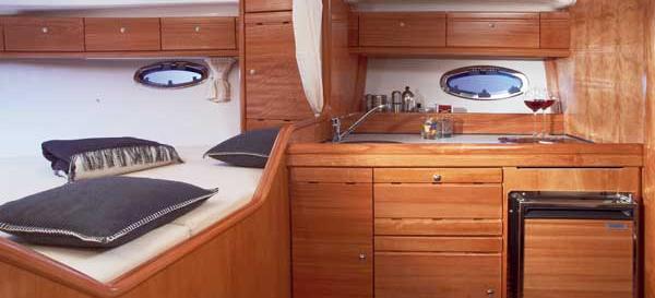 motorni brod Bavaria 32 Sport