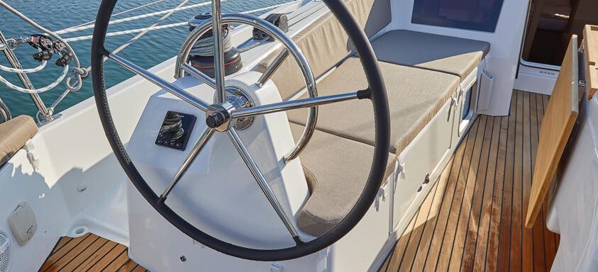 jedrilica Sun Odyssey 410