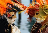 Iskusite karnevalsko ludilo u Veneciji brodom!