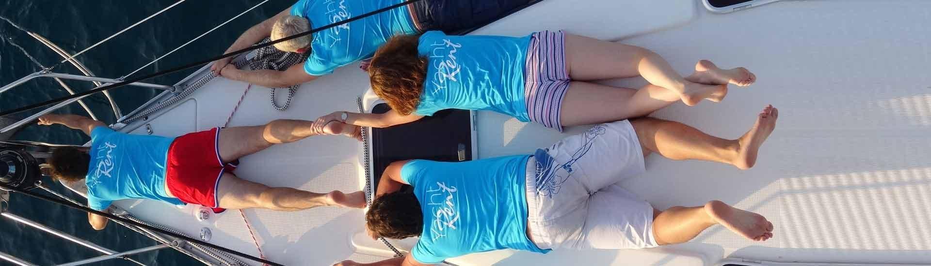 Yacht-Rent na leđima