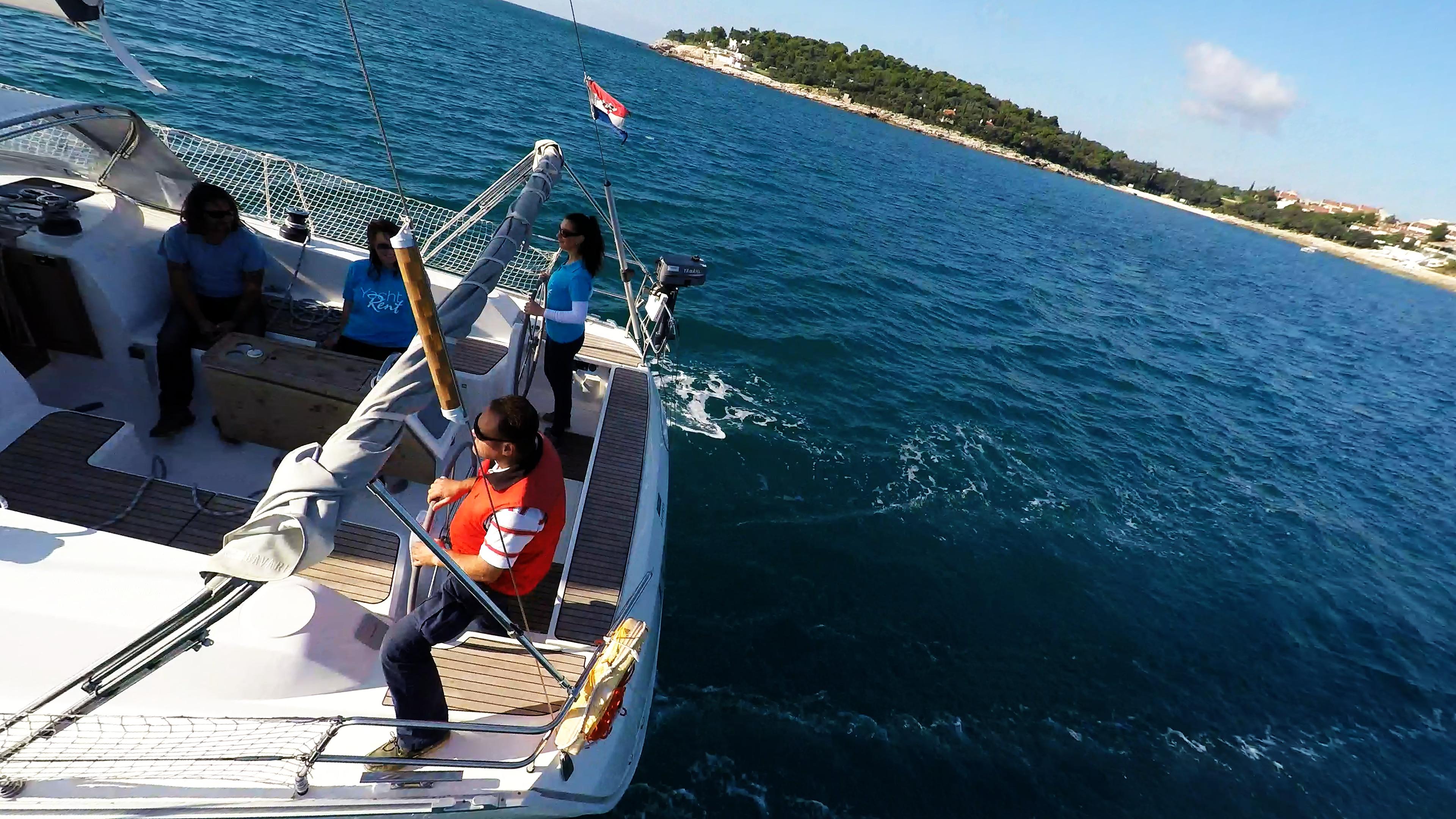 jedrilica tim posada kokpit skiper kola timuna tik tikovina