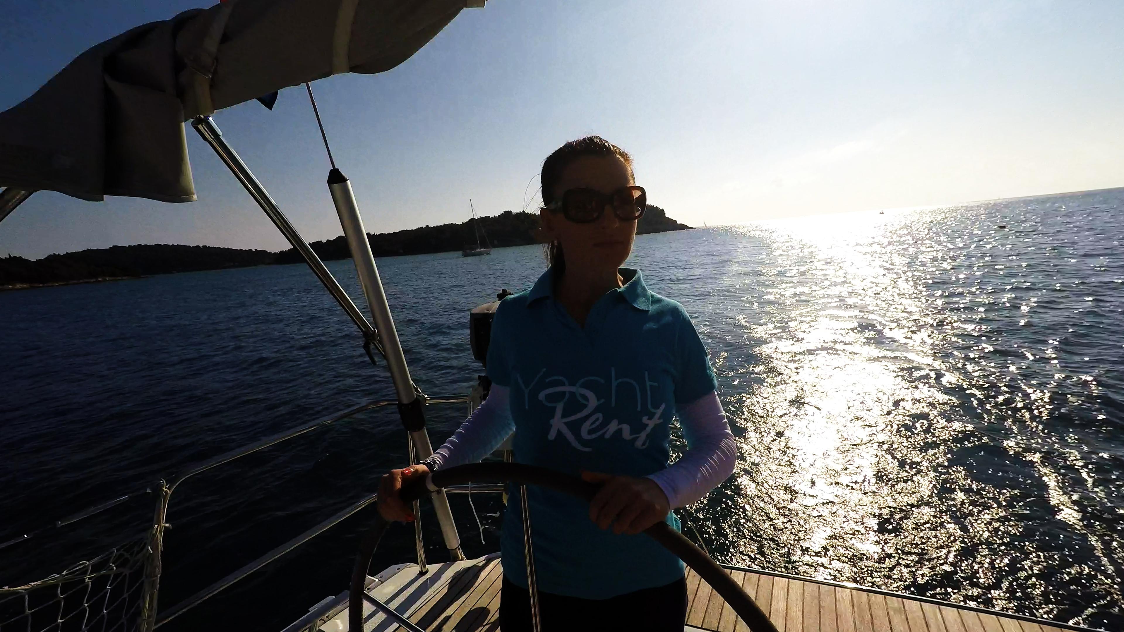 žena kolo timuna jedrilica skiper jedrilica