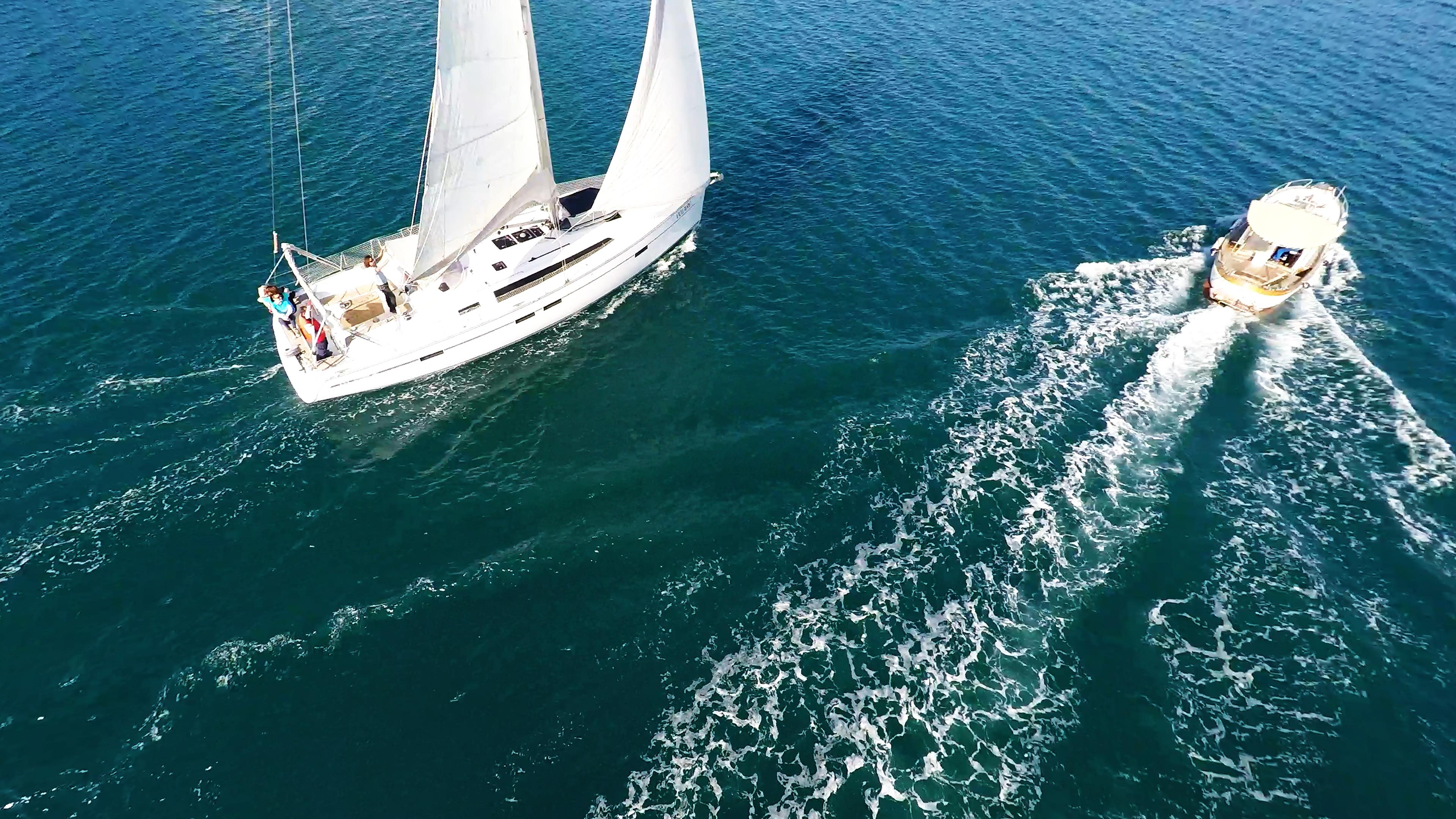 jahtas brodovi jedra motor more jedrenje more