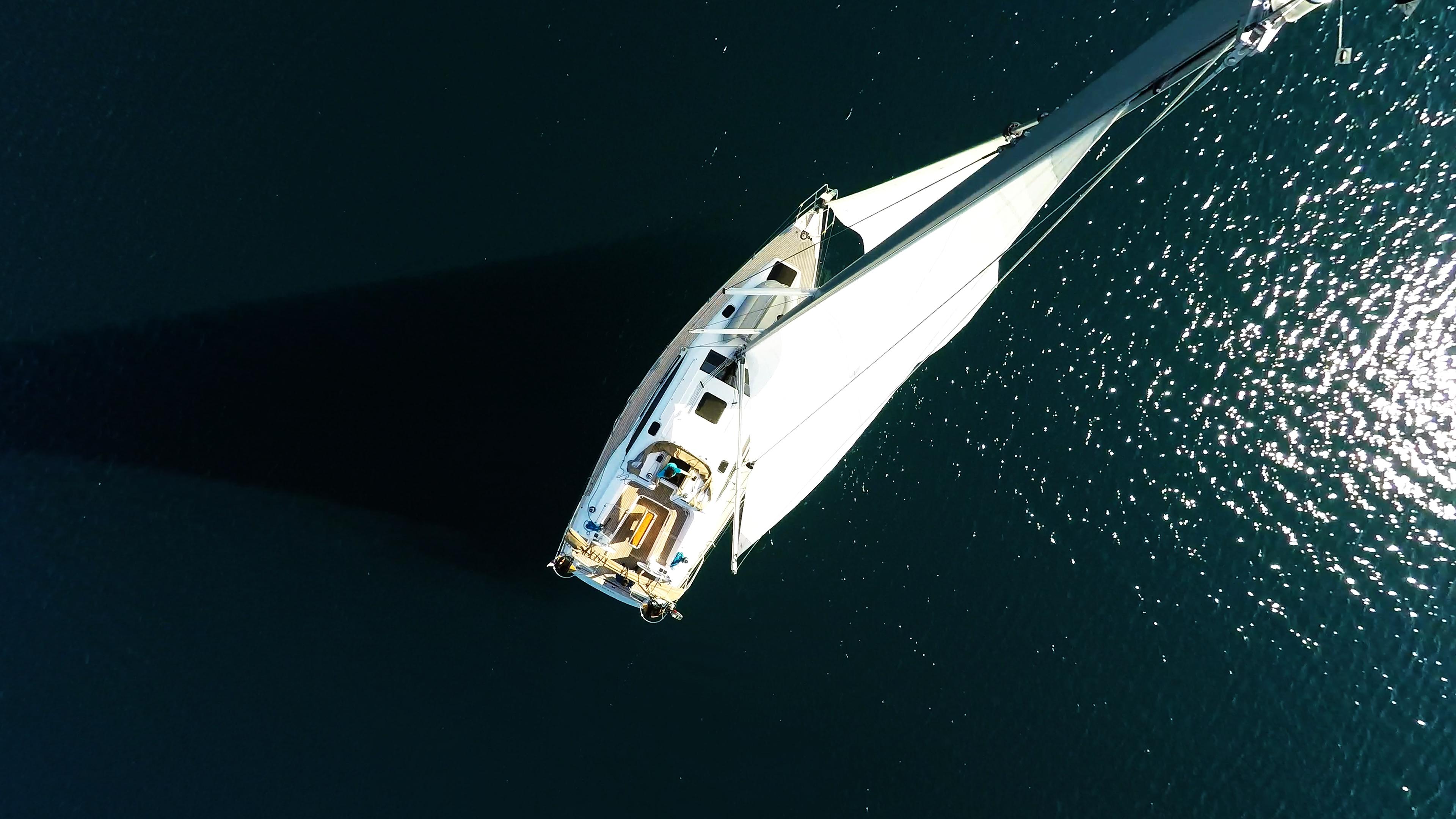 pogled odozgo jedrilica jedrilica elan 45 impression