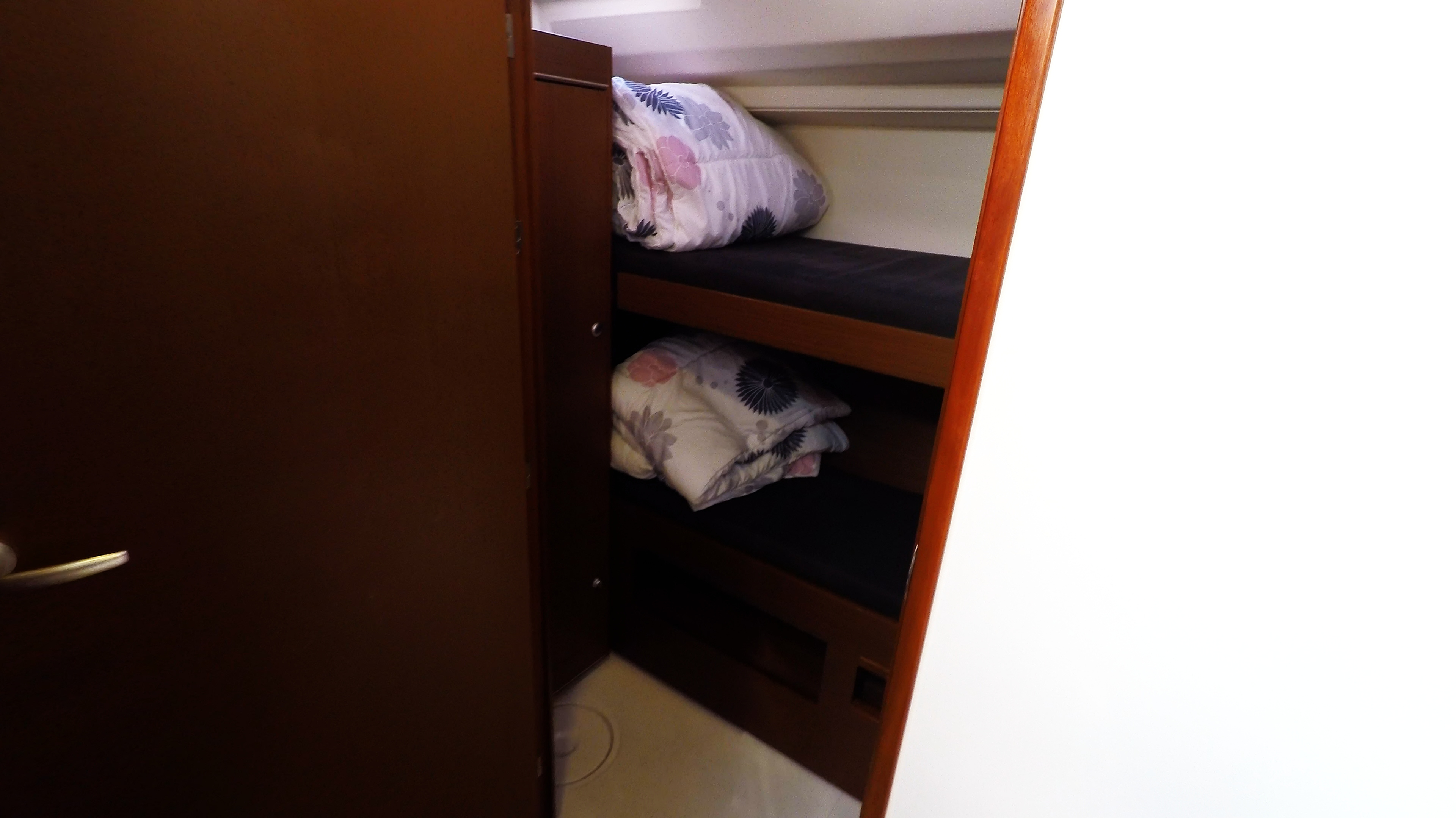 jednostruki krevet stražnja kabina jedrilica čarter Hanse 505