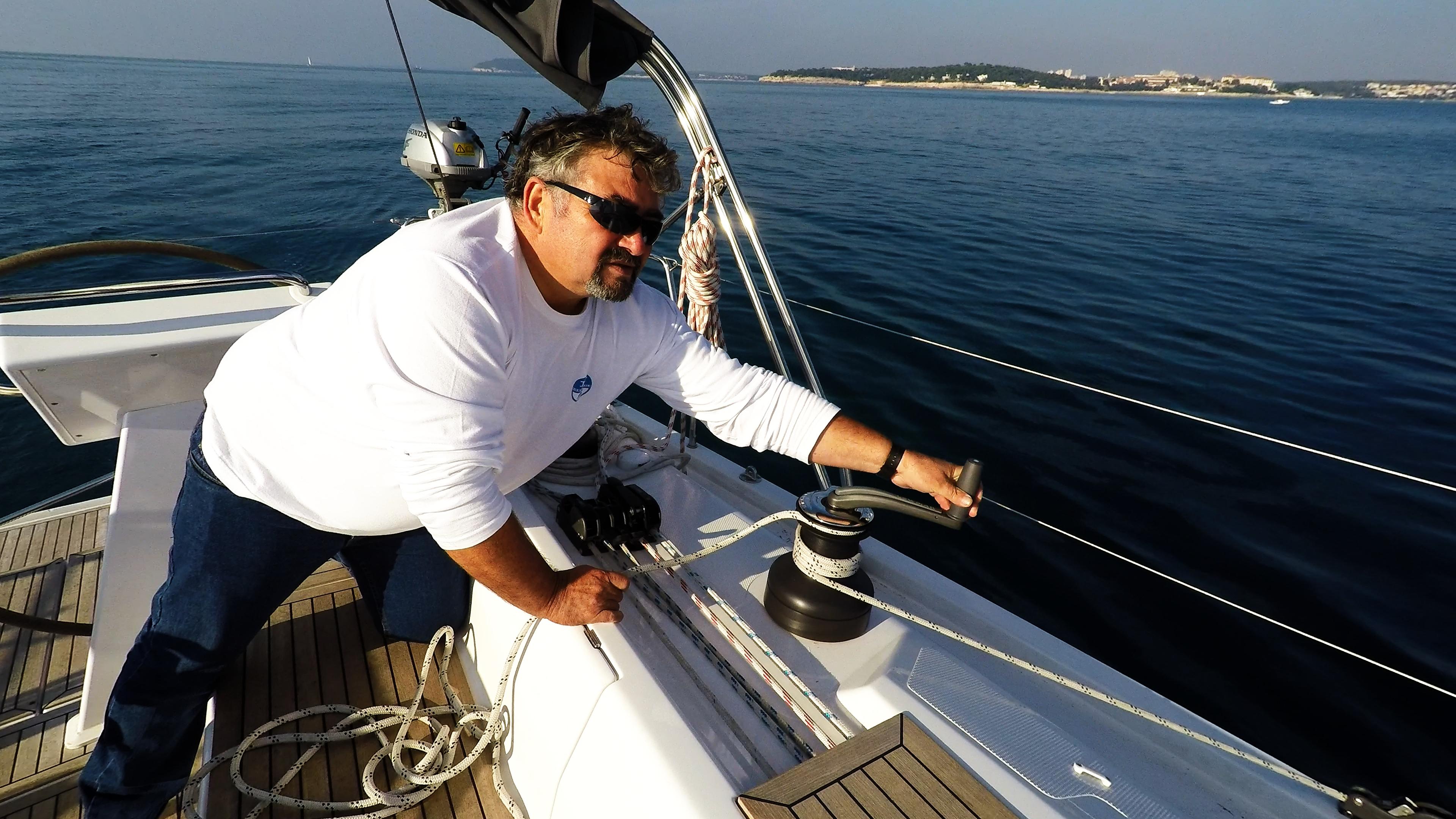 skipera na ručici vinča jedrilica Hanse 505