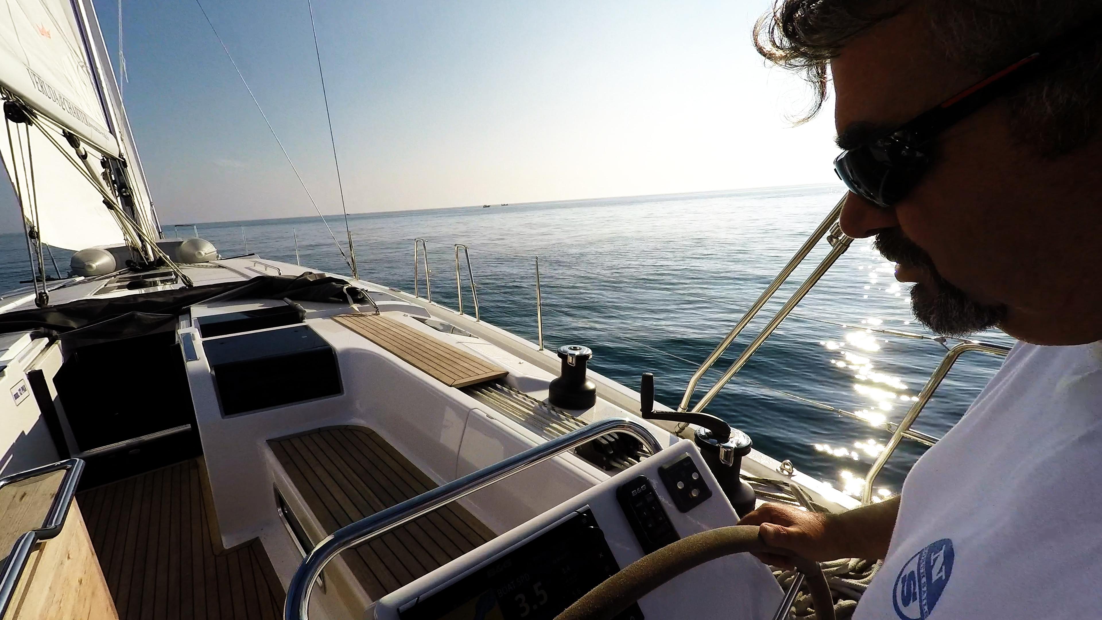 skiper jedrilica kokpit tik tikovina jedrilica Hanse 505