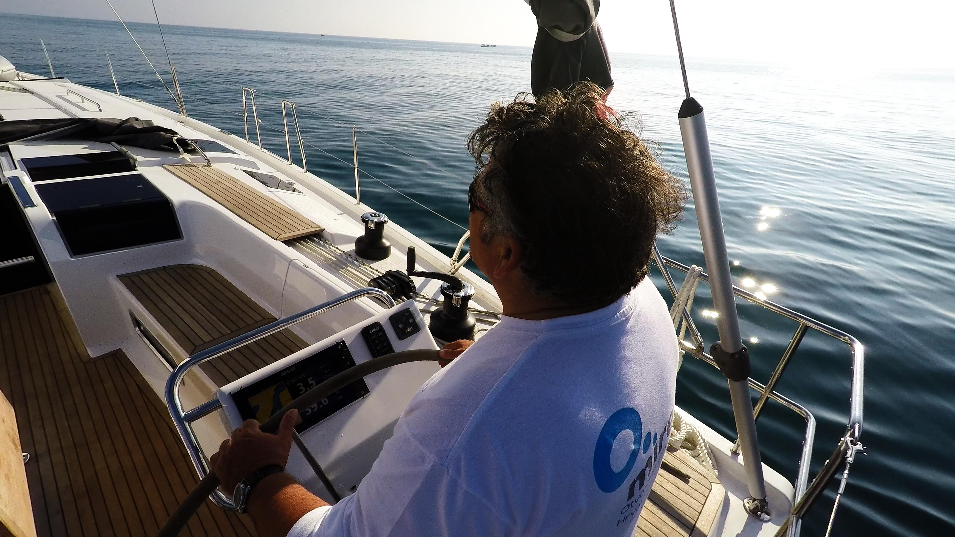 skiper kolo timuna jedrilica Hanse 505 sunce more kokpit