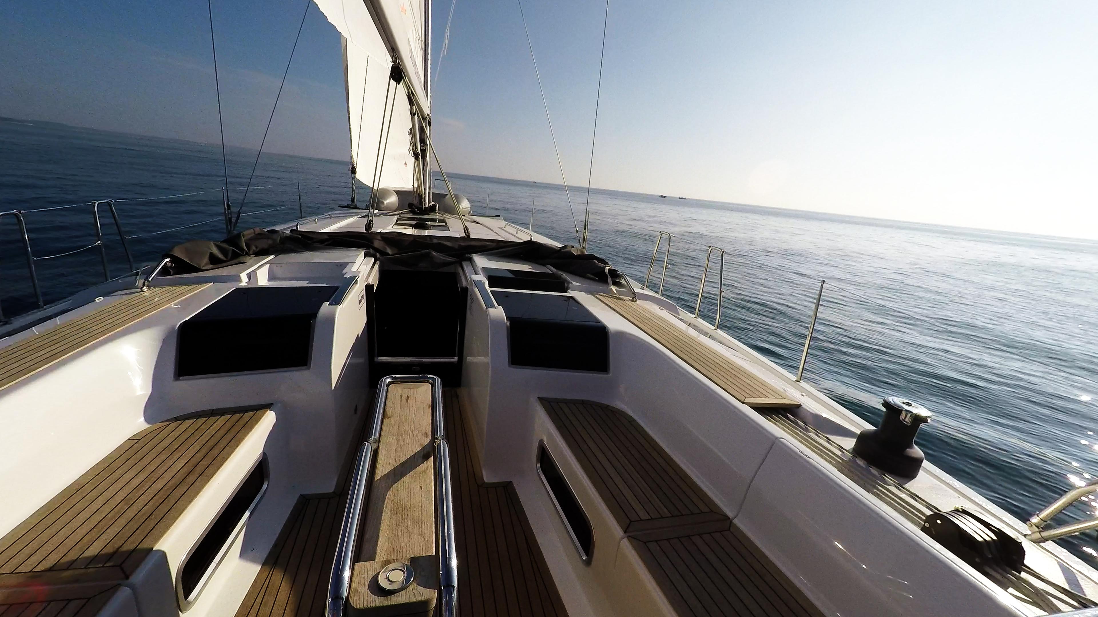 tik tikovina kokpit stol jedrilica Hanse 505 čamac